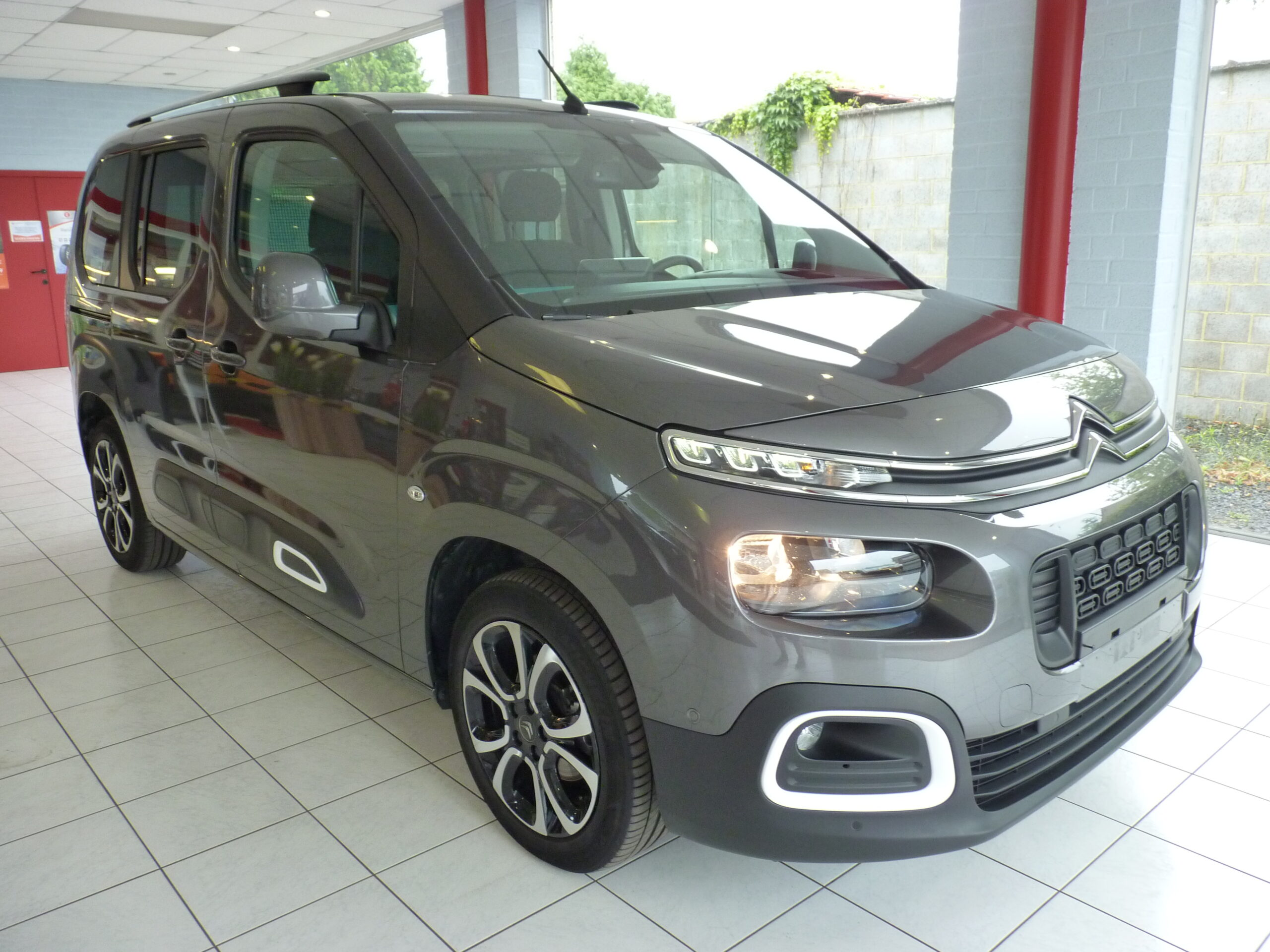 Berlingo M PureTech Shine 2
