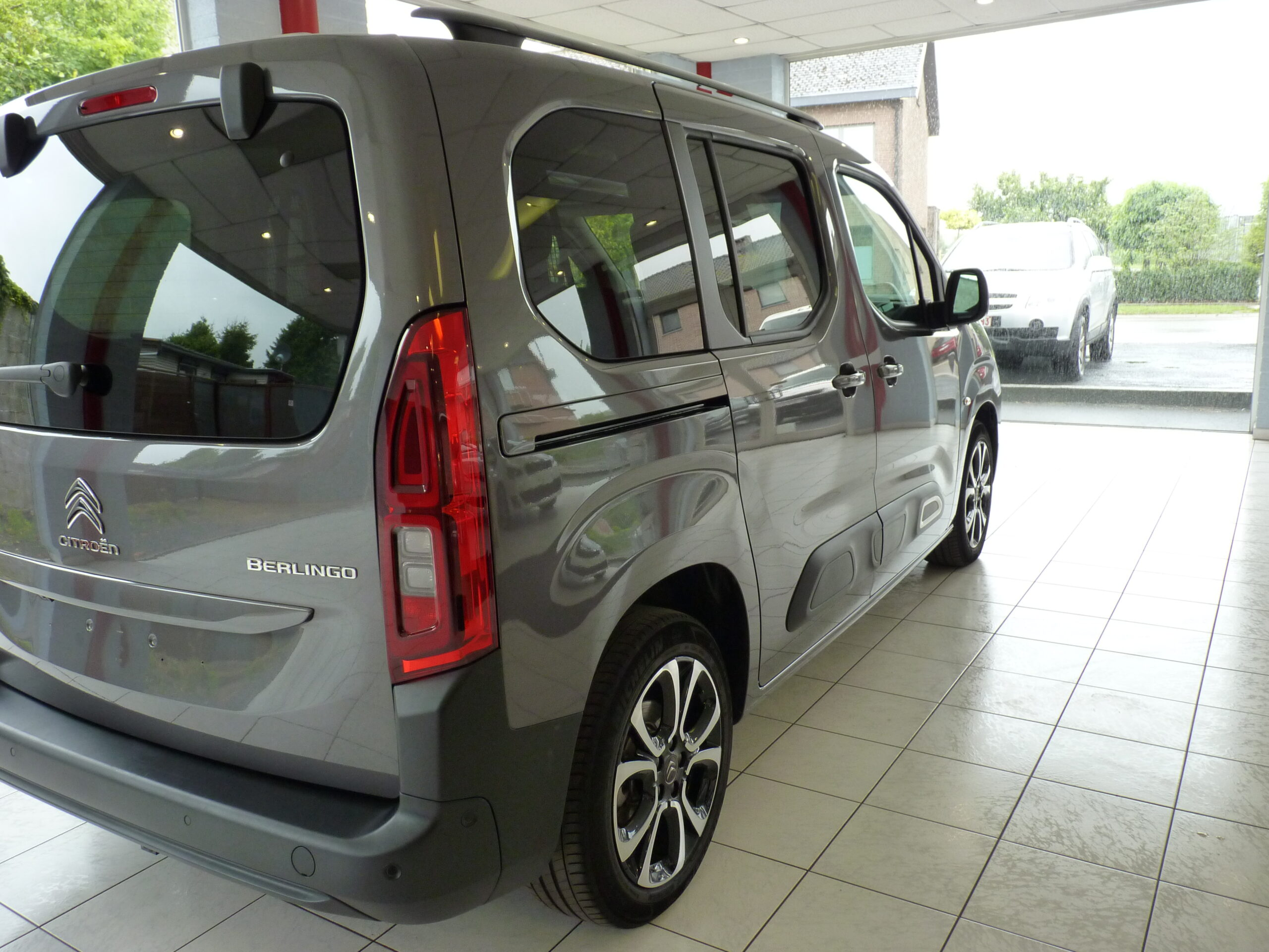 Berlingo M PureTech Shine 3