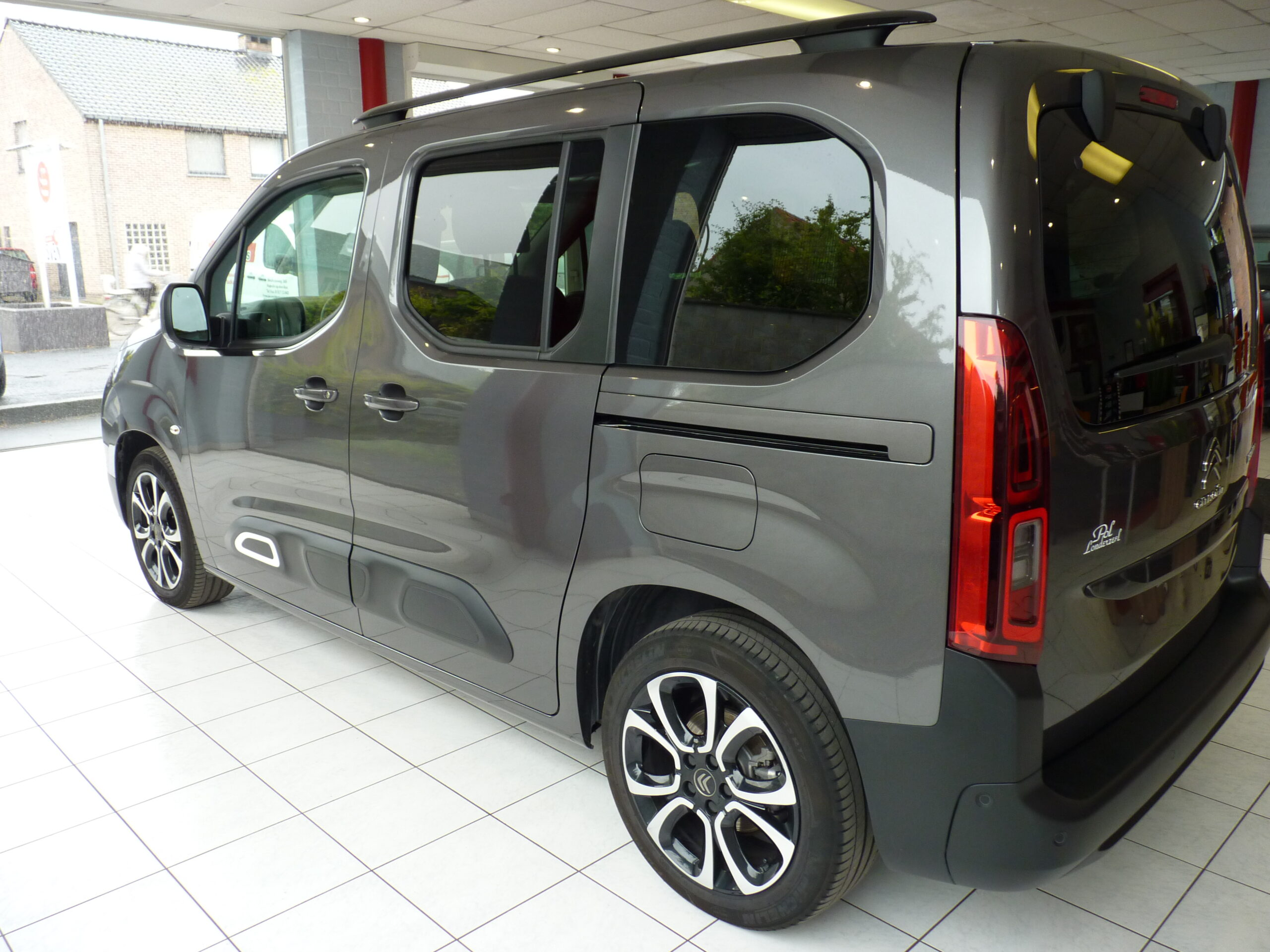 Berlingo M PureTech Shine 10